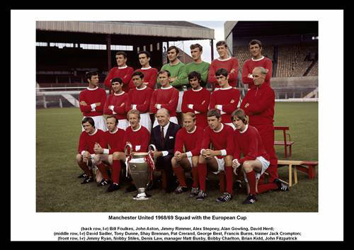 Manchester United 1968 Squad with the European Cup
